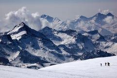 Skieur d'horizontal de montagne photographie stock