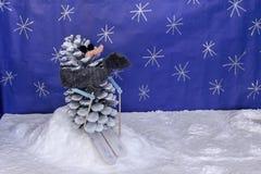 Skieur scenary de neige de métiers de décorations de Noël Photographie stock