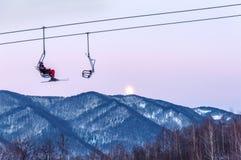 Skieur sur l'ascenseur Photographie stock libre de droits