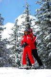 skieurs de couples jeunes Images stock