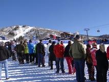 Skifahren cowbys schlugen den Sprung Stockfotos