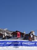 Skifahren cowbys schlugen den Sprung Stockbild