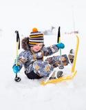 Skifahren des kleinen Jungen Lizenzfreies Stockfoto