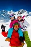 Skifahren, Winterspaß stockfotografie