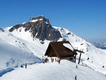 Skifahrenaufzug Stockbild