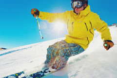 Skifahrer auf dem Berg Stockbild