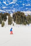 Skifahrer auf den Steigungen des Skiorts von Brixen im Thale Tirol Stockfoto