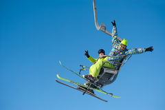 Skifahrer am Baikalsk Skiort Lizenzfreies Stockbild