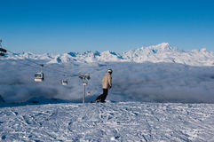 Skifahrer betriebsbereit zu reiten, Courchevel, Frankreich Stockfotos