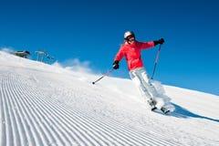 Skifahrer im hight Berg Stockbild