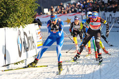 Skifahrer Strandvall im Mailand-Rennen in der Stadt Stockbilder