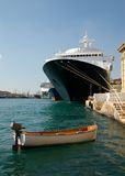 Skiff e Steamship Imagem de Stock Royalty Free