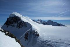 Skifield chez le Klein Matterhorn Image libre de droits