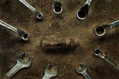 Skiftnycklar med bulten och muttern Royaltyfri Foto