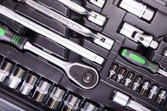 Skiftnycklar och skruvmejslar i hjälpmedelasken Fotografering för Bildbyråer
