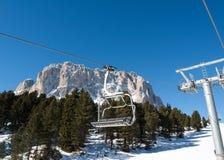 Skigebiet in den Dolomit-Alpen Stockfotos