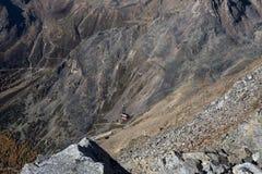 Skigebiet in Kurzras Maso Corto - Ansicht von oben mit Drahtseilbahn stockbild