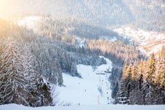 Skihelling op de Karpatische bergen Royalty-vrije Stock Foto