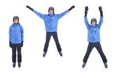 Skiier demuestra el ejercicio del calentamiento para esquiar Fotos de archivo libres de regalías