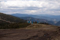 Skilift in de bergen Royalty-vrije Stock Fotografie