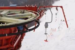 Skilift - het detail van het terugkeerwiel Stock Afbeeldingen