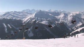 Skilift in Oostenrijk stock videobeelden
