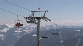 Skilift in Oostenrijk stock video