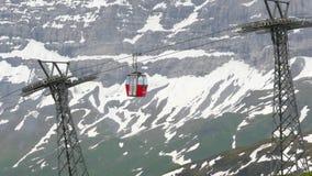 Skilift in Zwitserland Wengen stock footage