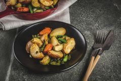 Skillet-ψημένα λαχανικά πτώσης και χειμώνα Στοκ φωτογραφία με δικαίωμα ελεύθερης χρήσης