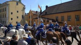 Skilsmässa av vakten på Royal Palace i centrala Stockholm lager videofilmer