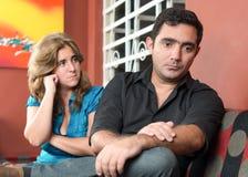 Skilsmässa - ledsen make och fru royaltyfri foto
