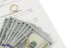 Skilsmässaform med fanen av hundra dollar räkningar Fotografering för Bildbyråer