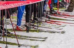 Skimarathonkind-` s Nikolov Perevoz Russialoppet Rennen 2017 Stockfotografie