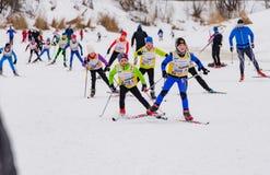 Skimarathonkind-` s Nikolov Perevoz Russialoppet Rennen 2017 Stockbilder