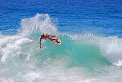 Skimboarder an Aliso-Strand, Laguna Beach, CA Lizenzfreies Stockfoto