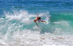 Skimboarder na praia de Aliso, Laguna Beach, CA Foto de Stock