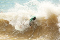 Skimboarding masculino Foto de Stock Royalty Free