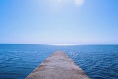 Skinande dag på ett Black Sea, Sochi Arkivfoton