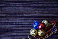 Skinande diskobollar för jul Royaltyfria Foton