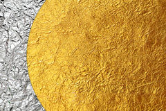 Skinande gul skinande folie för för bladguld och brons Royaltyfria Bilder