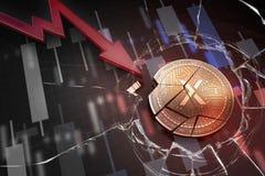 Skinande guld- STEX-cryptocurrencymynt som är brutet på tolkning för underskott 3d för negativ diagramkraschbaisse fallande bortt royaltyfria foton