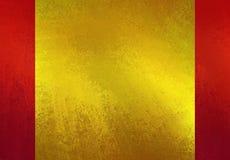 Skinande guld texturerade papper på röd bakgrundsorientering stock illustrationer