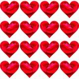 Skinande hjärtor med röda kronblad och regndroppar royaltyfria bilder