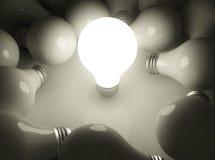 Skinande lightbulb Arkivfoton