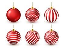 Skinande röd bolluppsättning för julgran nytt år för garnering timmar liggandesäsongvinter December ferier Hälsa det gåvakortet e royaltyfri illustrationer