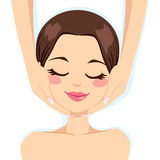 Skincare ansikts- massage Arkivbild