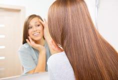 Skincare Jonge mooie tiener Royalty-vrije Stock Afbeelding