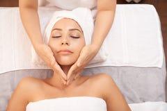 Skincare massage arkivbilder