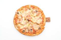 skinka- och korvpizza Royaltyfri Bild