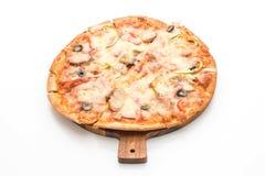 skinka- och korvpizza arkivfoto